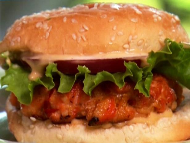 pb0213-1_salmon-burger_s4x3-jpg-rend-sni18col