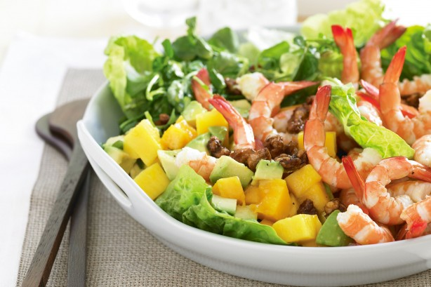 prawn-mango-caramelised-walnut-salad-10613_l